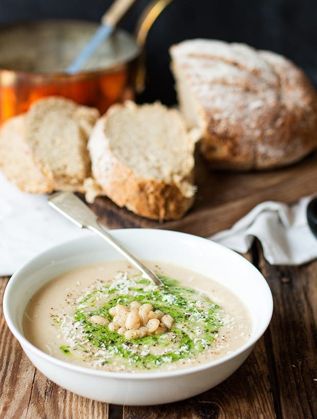 White Bean and Pesto Sou - A creamy and comforting vegetarian soup - without the cream!