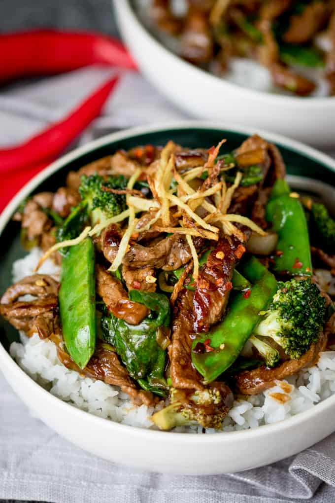 Spicy ginger beef stir fry nickys kitchen sanctuary spicy ginger beef stir fry tender beef sirloin with crispy ginger green veg and forumfinder Image collections
